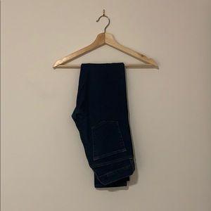 • Gap Jeans •